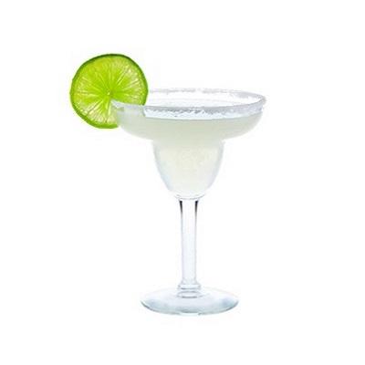 Margarita (Маргарита) - классический коктейль на основе серебряной текилы с сбалансированным кисло- сладким вкусом, украшается лаймом