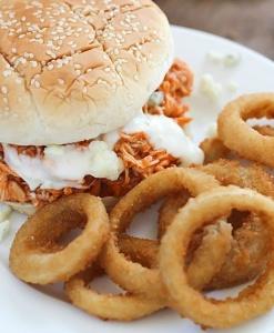 Бургер с курицей Orange и сыром Dorblu