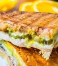 Горячий сэндвич с бужениной и сыром