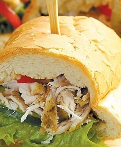 Сэндвич с курицей на багете