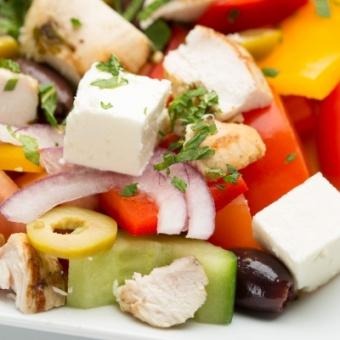 eshka_grecheskiy-salat