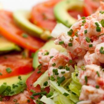 Салат из креветок в морском соусе