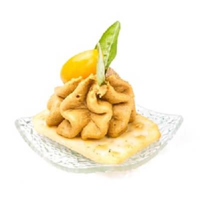 kanape-s-mussom-iz-kurinoy-pecheni
