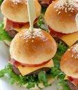 Мини-чизбургеры с беконом